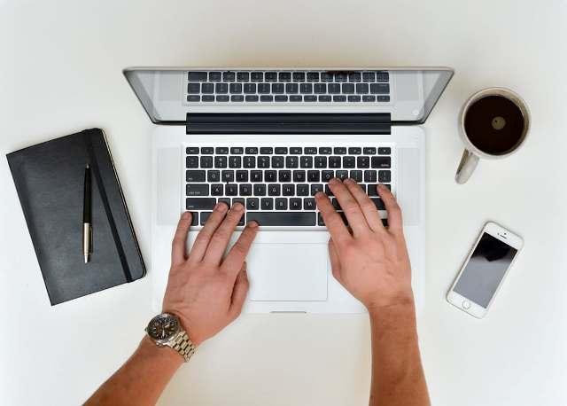 עבודה מהביצ כתיבת מאמרים
